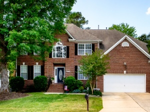 Spacious 4 bedroom home for sale in Powhatan Secondary, Williamsburg. Close to Yorktown Naval Weapons Station, Fort Eustis, Langley AFB